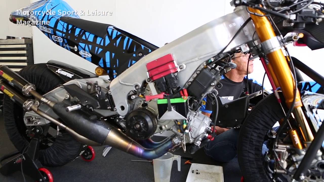 THE MAN WHO BUILT A 195bhp 500CC TWO-STROKE BEAST