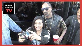 White Guy raps for Snoop Dogg!