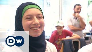 لاجئون في أرنسبيرغ يساعدون في عملية الاندماج | الأخبار