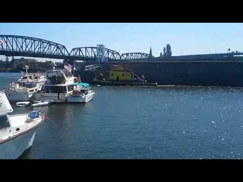 Downtown Portland River Traffic