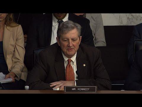 Senators Rip Websites Over Russia-Linked Ads