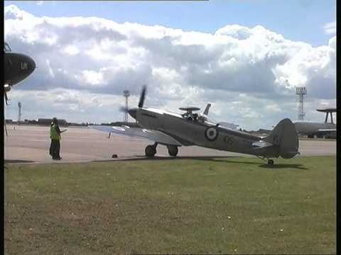 Supermarine Seafire start up at Coningsby