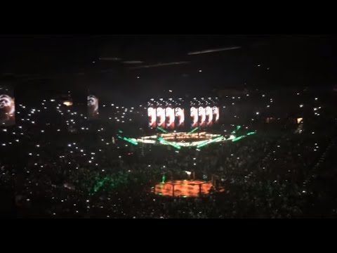 Jose Aldo And Conor McGregor UFC 194 Entrance Crowd Reactions