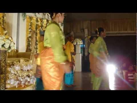 Tarian Di Renjis Air Mawar - Wedding