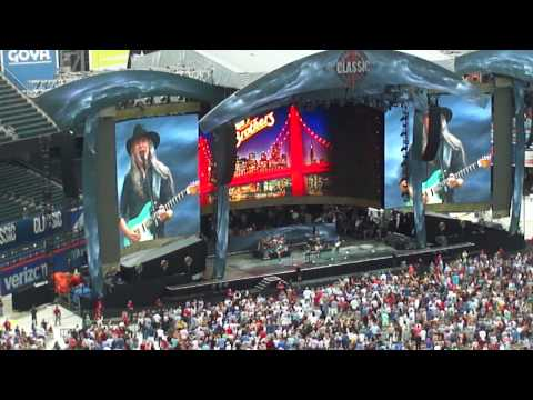 Classic East: Listen to the Music - Doobie Brothers, Citi Field 7/29/2017