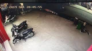 Trộm xe nhanh như chớp VinMart thuận giao bd 17.03.2019