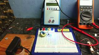 Experimenting with oscilators for radio circuits and finding LC resonance