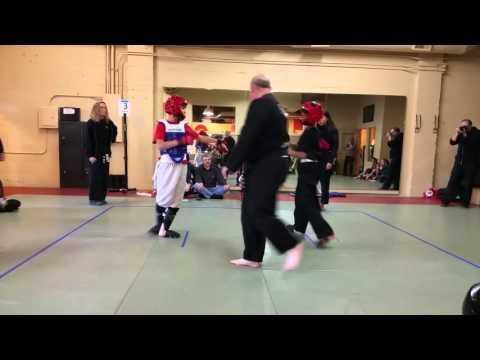 Poekoelan tjimindie tulen kung-fu turnament fighting!