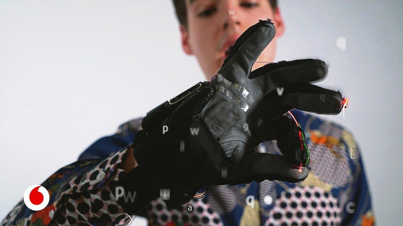 Inteligencia artificial para que las personas ciegas reconozcan lo que les rodea