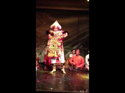 Male Balinese dance