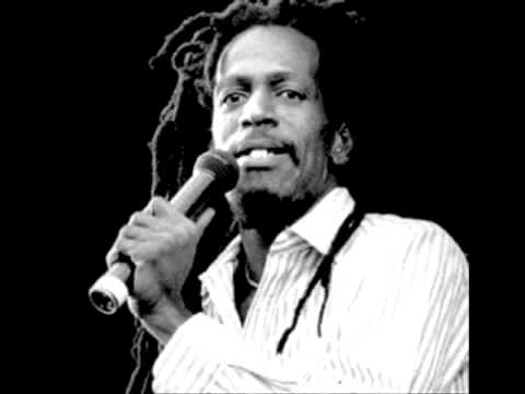 Gregory Isaacs [Live at Santa Barbara 1982 Full Audio]