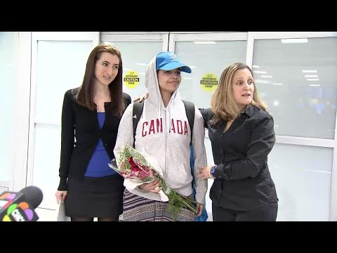 Saudi teen Rahaf al-Qunun arrives in Canada after being granted asylum