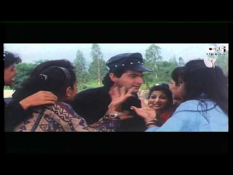 Sanjay Kapoor Flirts With College Girls - Movie Beqabu Scene