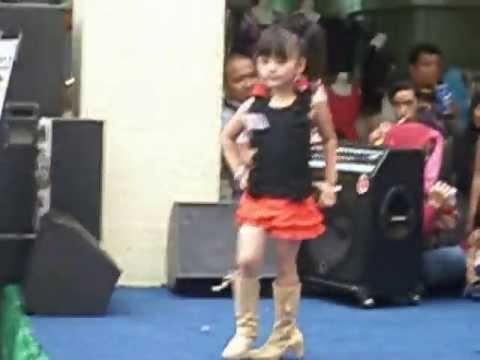 55 Gambar Baju Casual Anak Fashion Show Terlihat Keren
