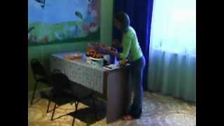 видео помидоры(Собранные с теплицы из поликарбоната помидоры в доме.Сорта Хурма,де Барао черный, Московский деликатес,Ля-л..., 2012-08-18T20:05:22.000Z)