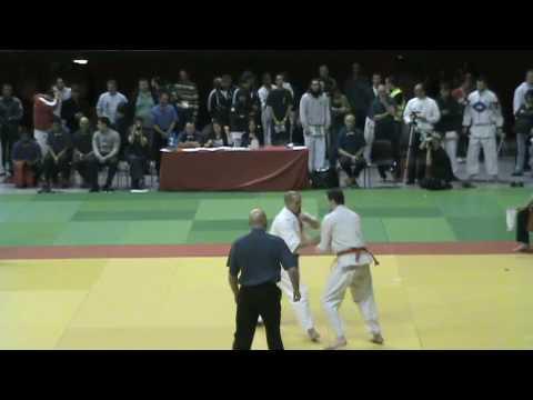 Coupe De France Kyokushinkaï 2010 - Damien Varasse Contre Johann Chaimi