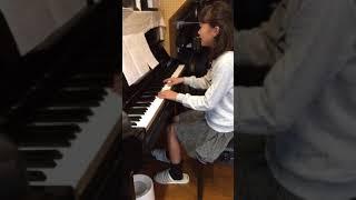 小学6年生のはるです(^-^) どうぞお聴きください.