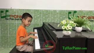 Lớp học piano trẻ em - Tuấn Phát - Bài Ca Niềm Vui [Upponia.com - Tuhocpiano.com]