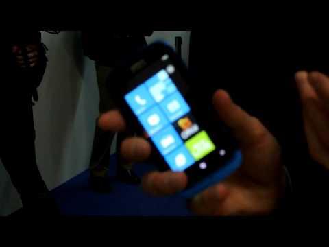 Nokia Asha 202, Asha 203, Asha 302, 808 PureView, Lumia 610 e Lumia 900 - video demo @ MWC 2012