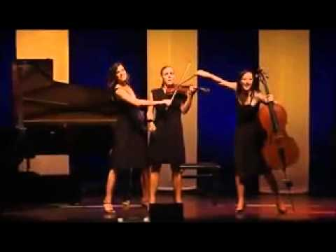 Bu Kadınlar Harika Bir İş Çıkarmışlar!   Dört Kadından Oluşan Alman Klasik Müzik Grubunun Müthiş Per