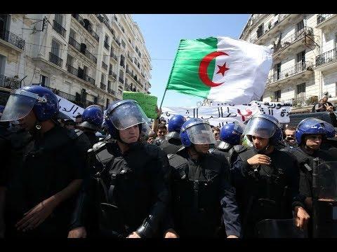 الجزائريون ينزلون إلى الشارع للجمعة التاسعة على التوالي  - نشر قبل 4 ساعة