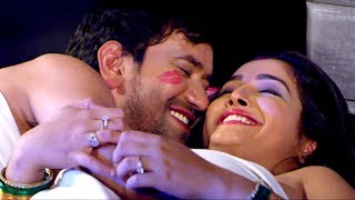 Download Video Dinesh lal Yadav & Aamarpali Dubey  Getting Cozy.... MP3 3GP MP4