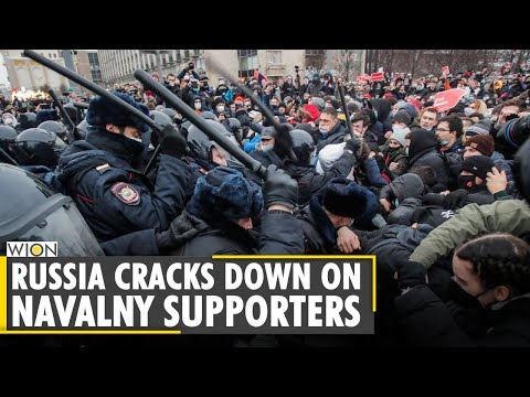 Russian police officers beat protesters at opposition rally | World News | WION News