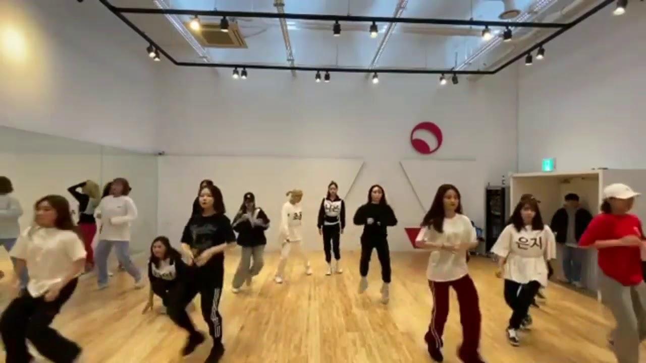 APINK'S Eung Eung Dance Break (dance practice)