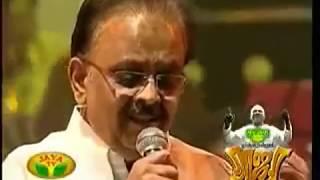 "Aayiram Thamarai Mottukale - SPB, Surmukhi -  ""Endrendrum Raja"" Ilayaraja Concert 2011 Chennai"