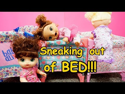 LOL SURPRISE DOLLS Won't Stop Sneaking Out Of Bed!