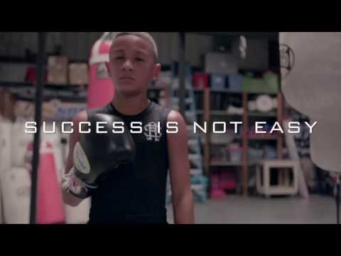 "11 YEAR OLD BOXING PRODIGY ""TYKNOWHEFLY"" x STRIVE APPAREL"