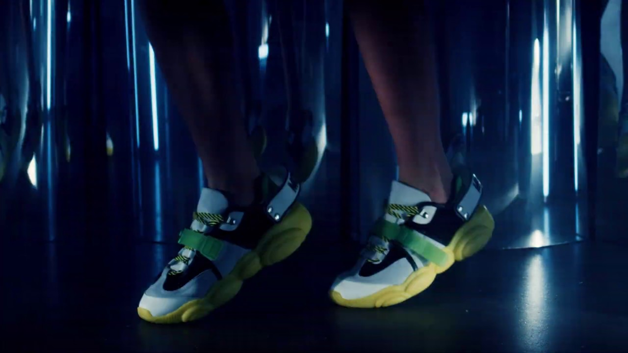 Moschino Teddy Shoes: the fluo update