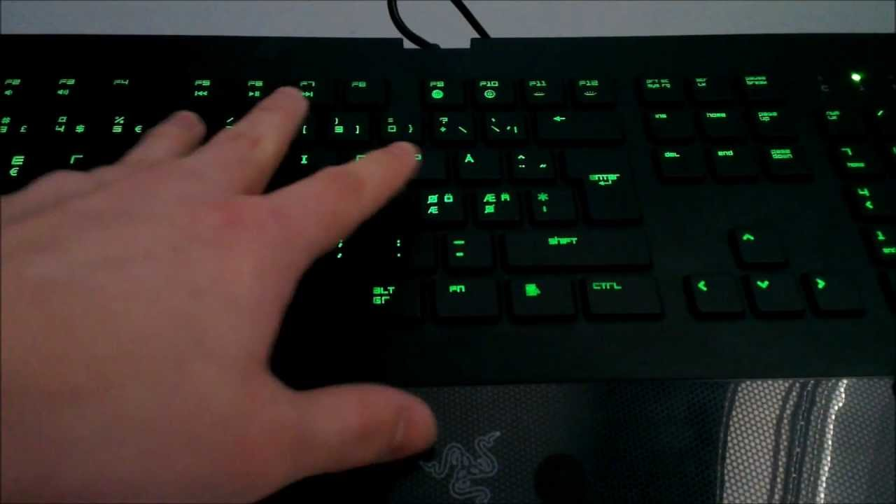 88cc3953ef3 Razer Deathstalker Keyboard - Review and Unboxing - YouTube