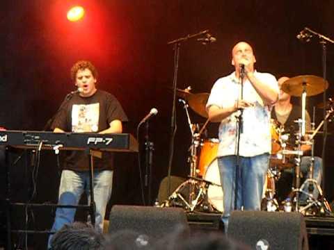 Asman - Bijna Voor Elkaar en Man Alleen (live 22-06-2011 Koopmansplein Assen TT Festival)
