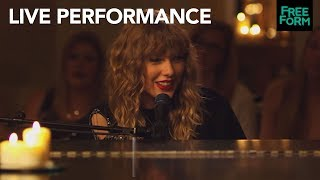 "Taylor Swift | ""New Year's Day"" Extended Performance 