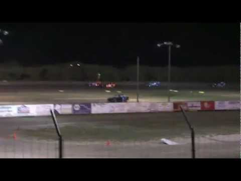 8-25 last laps of the IMCA Modified Feature