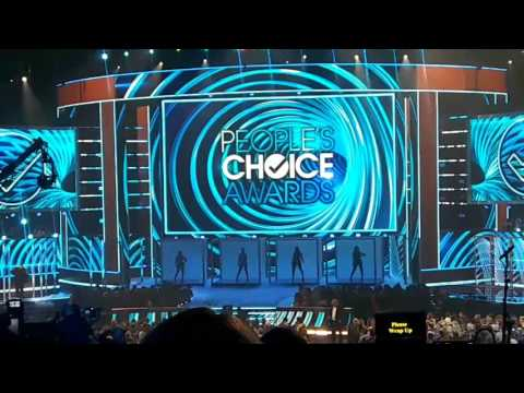 Fifth Harmony at the Peoples Choice Awards