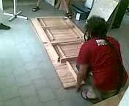 Tavolo Pieghevole Legno Ikea.Tavolo Ikea Video Assemblaggio3 Youtube