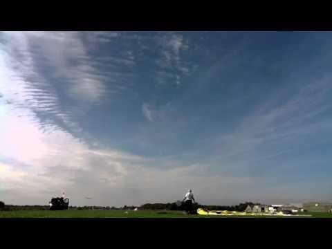 Sublime FM vliegtuig stijgt op