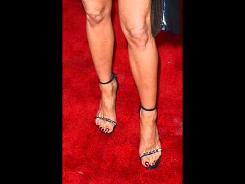 Jennifer aniston feet long toenails youtube - Jennifer aniston barefoot ...