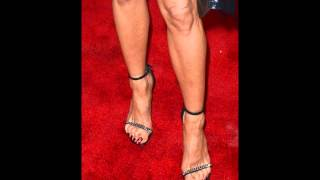 jennifer aniston feet long toenails