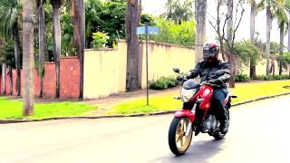 Honda CB 300R chega a 2015 com mudanças no visual, mas mecânica intocada thumbnail