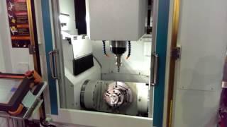 Вертикально фрезерный обрабатывающий центр модели SV 350 5AX   смена инструмента