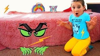 Аня и странный гость под кроватью