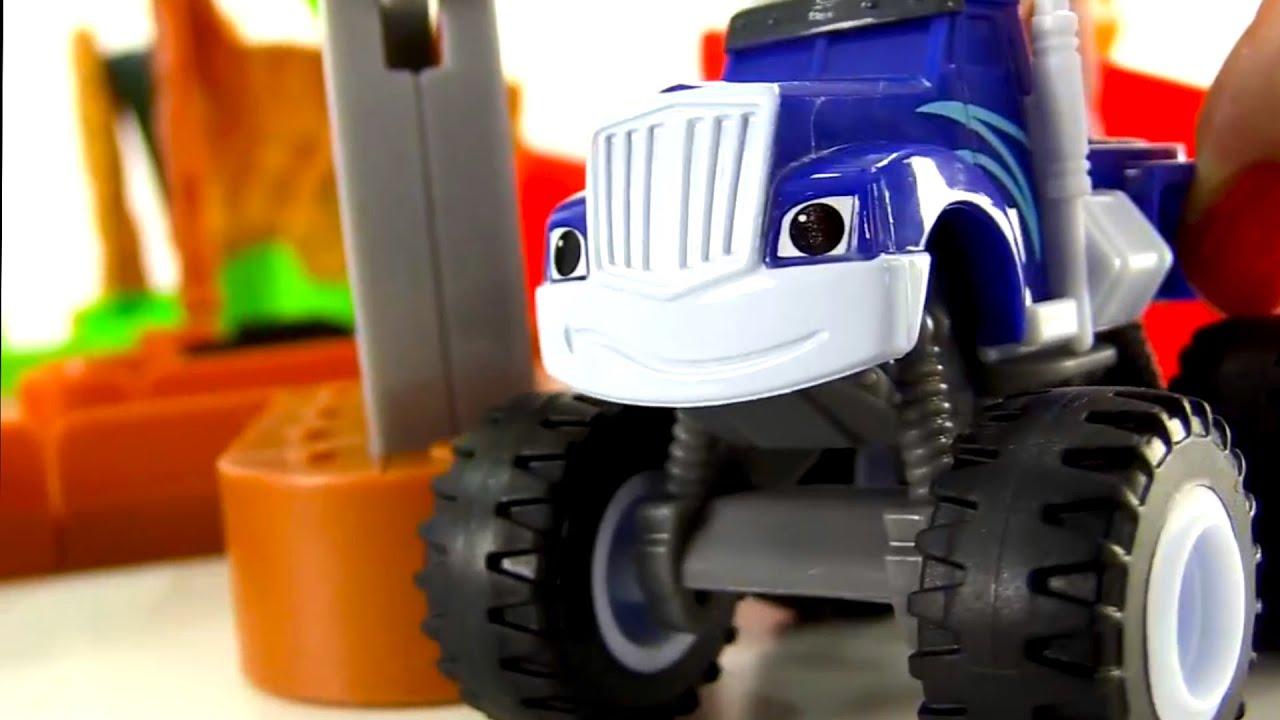 juguetes de blaze y los monster machines camiones monstruos juguetes autos para nios youtube