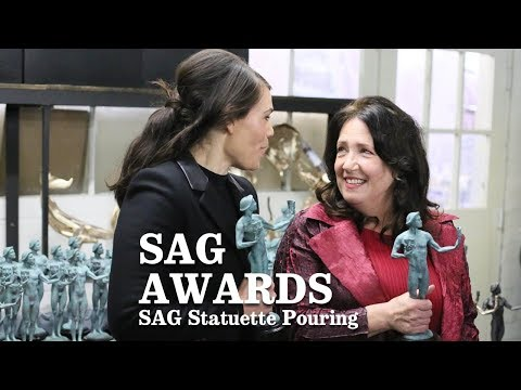 SAG Statuette Pouring   Los Angeles Times