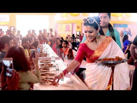 Kajol Serves Bhog At Durga Puja Pandal 2018