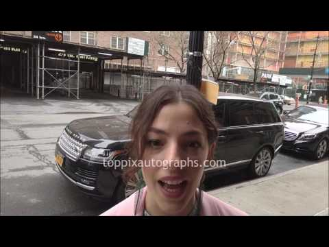 Olivia Thirlby  SIGNING AUTOGRAPHS while ting in NYC