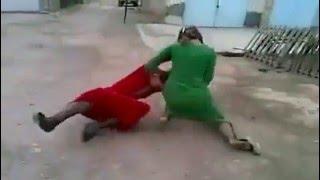 بنات عنف و ضرب