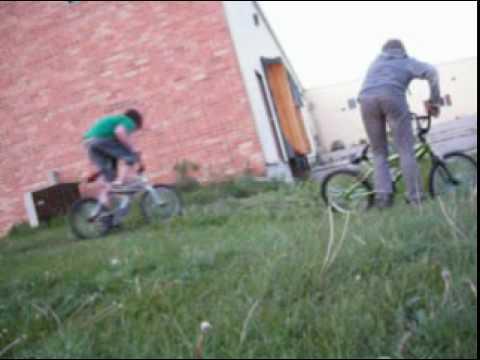biking an BMX